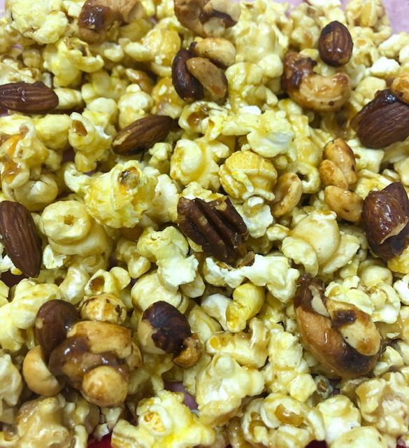 Caramel Popcorn with Mixed Nuts